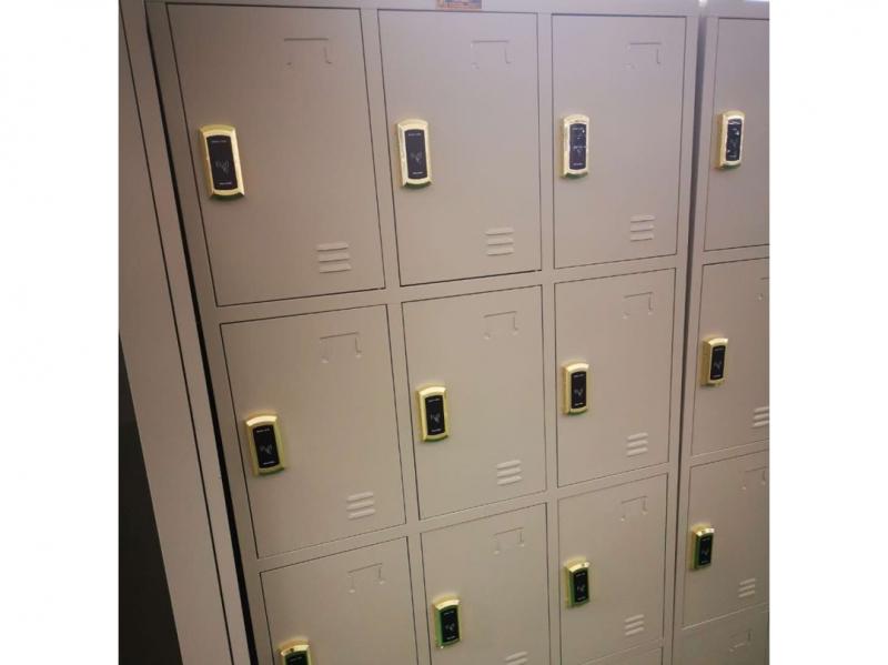 感应锁储物柜